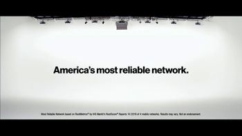 Verizon TV Spot, 'French Family: Motorola razr $700' - Thumbnail 6