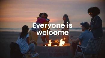 Discover Los Angeles TV Spot, 'Everyone Is Welcome' Song by Miguel - Thumbnail 10