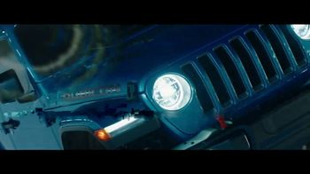Jeep TV Spot, 'Holy Jeep!' [T2] - Thumbnail 5