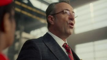 Twix Cookies & Creme TV Spot, 'In Case of Emergency' - Thumbnail 4