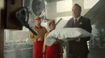Twix Cookies & Creme TV Spot, 'In Case of Emergency' - Thumbnail 8
