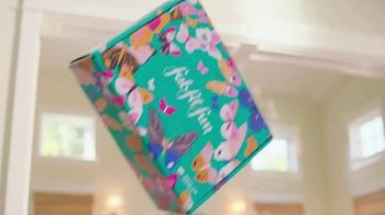 FabFitFun.com TV Spot, 'A Box of Fabulous' Featuring Gina Rodriguez - Thumbnail 4