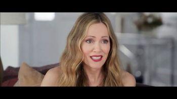 Jergens TV Spot, 'Telling Secrets: Lavender' Featuring Leslie Mann, Maude Apatow - Thumbnail 2