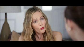 Jergens TV Spot, 'Telling Secrets: Lavender' Featuring Leslie Mann, Maude Apatow - Thumbnail 4