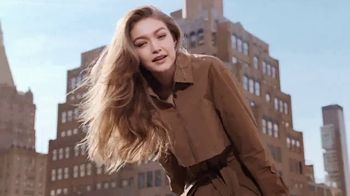 Maybelline New York Brow Fast Sculpt TV Spot, 'Un paso' con Gigi Hadid [Spanish]