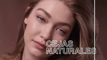 Maybelline New York Brow Fast Sculpt TV Spot, 'Un paso' con Gigi Hadid [Spanish] - 186 commercial airings