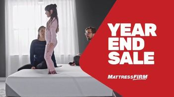 Mattress Firm Year End Sale TV Spot, 'Save $500 and Get $300 Bonus Cash' - Thumbnail 2