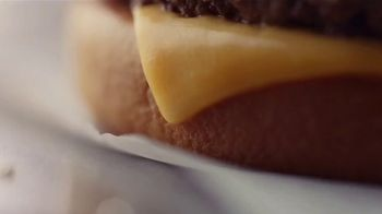 McDonald's Quarter Pounder TV Spot, 'Perfect Made Perfecter: Look Closely' - Thumbnail 5