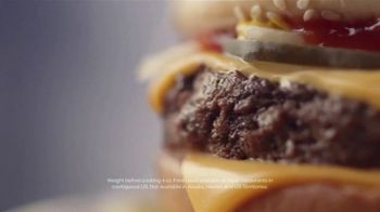 McDonald's Quarter Pounder TV Spot, 'Perfect Made Perfecter: Look Closely' - Thumbnail 7