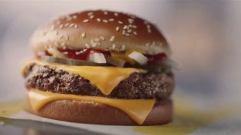McDonald's Quarter Pounder TV Spot, 'Perfect Made Perfecter: Look Closely' - Thumbnail 8
