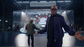 Capital One Quicksilver Card TV Spot, 'Spectacle' Featuring Samuel L. Jackson - Thumbnail 5