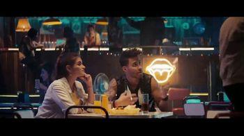 Sprint TV Spot, 'Recibe una MasterCard prepagada de $300 dólares cuando te cambias' con Prince Royce [Spanish] - Thumbnail 2