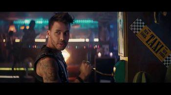 Sprint TV Spot, 'Recibe una MasterCard prepagada de $300 dólares cuando te cambias' con Prince Royce [Spanish] - Thumbnail 4