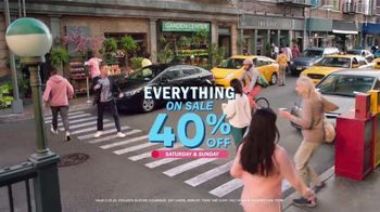 Old Navy TV Spot, 'What's Better Than Fleece?: 40 Percent Off' Featuring Neil Patrick Harris - Thumbnail 9