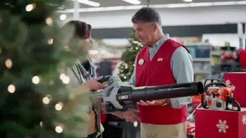 ACE Hardware Thanksgrilling Event TV Spot, 'Around the Block' - Thumbnail 3