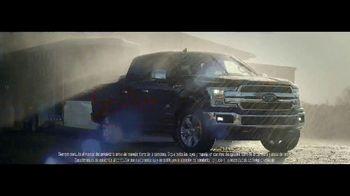 Ford F-Series TV Spot, 'Conduce a casa: el jefe de jefes' canción de Queen [Spanish] [T2]