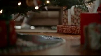 JCPenney TV Spot, 'Unwrap More Cozy: Comforter and Sweaters' - Thumbnail 5