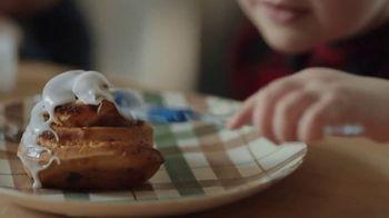 Pillsbury TV Spot, 'Holiday Family Time: PJs' - Thumbnail 4