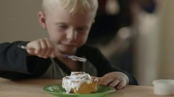 Pillsbury TV Spot, 'Holiday Family Time: PJs' - Thumbnail 5
