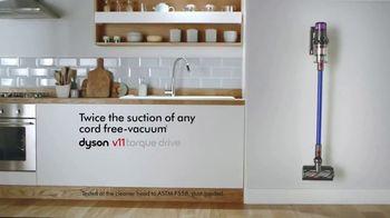 Dyson V11 TV Spot, 'Twice the Suction' - Thumbnail 9