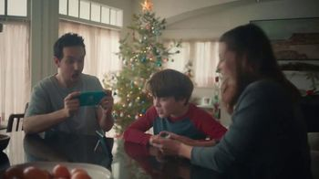 Nintendo Switch TV Spot, 'Holidays: The Gift of Playing Together'