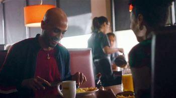 Denny's Sirloin Steak & Eggs TV Spot, 'Lo mejor de los dos mundos' [Spanish] - Thumbnail 3