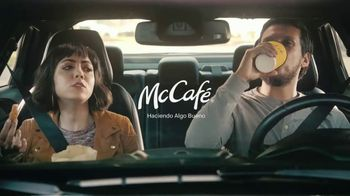 McDonald's Donut Sticks TV Spot, 'Calienta tu espíritu navideño' [Spanish] - Thumbnail 8