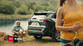 2019 Toyota RAV4 TV Spot, 'Mosquetones' [Spanish] [T2] - Thumbnail 2