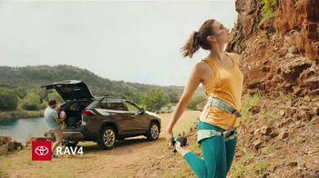2019 Toyota RAV4 TV Spot, 'Mosquetones' [Spanish] [T2] - Thumbnail 5