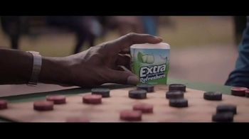 Extra Refreshers Gum TV Spot, 'Max & Bill: Introduction' Song by Jacob Banks - Thumbnail 4