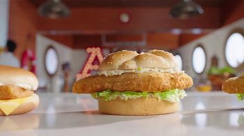 Arby's 2 for $6 Fish Sandwiches TV Spot, 'Versus Filet-O-Fish' Song by YOGI - Thumbnail 6