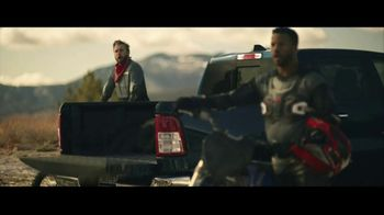GMC Sierra TV Spot, 'Jaw Drop: Bear' [T2]