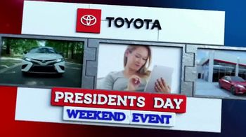 Toyota Presidents Day Weekend Event TV Spot, 'Get Connected' [T2] - Thumbnail 6