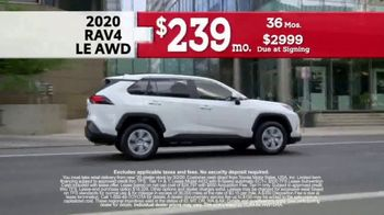 Toyota Presidents Day Weekend Event TV Spot, 'Get Connected' [T2] - Thumbnail 4