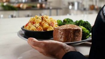 Outback Steakhouse Steak & Lobster TV Spot, 'It's Back With Mac & Cheese and Shrimp' - Thumbnail 5