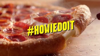 Hungry Howie's Heart Shaped 1-Topping Pizza TV Spot, 'Valentine's Day' Song by Montell Jordan - Thumbnail 2