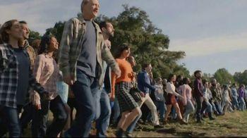 Snickers TV Spot, 'Fix the World' Featuring Luis Guzman - Thumbnail 5