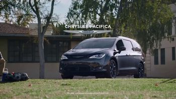 Chrysler Pacifica TV Spot, 'Sesame Street: Come Together' [T1]