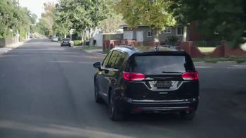Chrysler Pacifica TV Spot, 'Sesame Street: Come Together' [T1] - Thumbnail 3