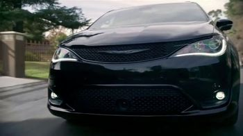 Chrysler Pacifica TV Spot, 'Sesame Street: Come Together' [T1] - Thumbnail 6