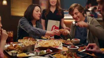 Chili's Chicken or Shrimp Fajitas TV Spot, 'Go Out to 'Ita' - Thumbnail 8