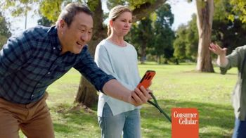Consumer Cellular TV Spot, 'Dog Park: Talk, Text, Data $20+ a Month: Switch and Get $50' - Thumbnail 3