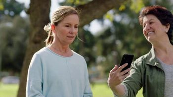 Consumer Cellular TV Spot, 'Dog Park: Talk, Text, Data $20+ a Month: Switch and Get $50' - Thumbnail 6