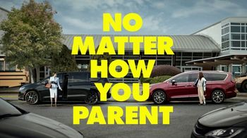 Chrysler Pacifica TV Spot, 'No Matter How You Parent: School Drop-Off' Featuring Kathryn Hahn [T1] - Thumbnail 10