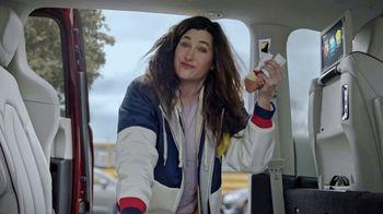 Chrysler Pacifica TV Spot, 'No Matter How You Parent: School Drop-Off' Featuring Kathryn Hahn [T1] - Thumbnail 5