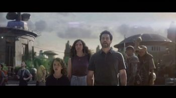 Star Wars: Galaxy's Edge TV Spot, 'May the Force Be With Us' - Thumbnail 3