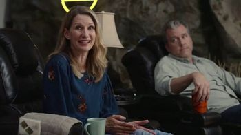 GEICO TV Spot, 'Man Cave' - Thumbnail 7