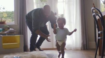 Pampers TV Spot, 'Discovery' - Thumbnail 8