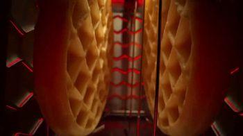 EGGO Homestyle Waffles TV Spot, 'Todo listo para un lanzamiento muy delicioso' [Spanish] - Thumbnail 2