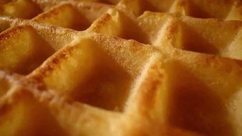 EGGO Homestyle Waffles TV Spot, 'Todo listo para un lanzamiento muy delicioso' [Spanish] - Thumbnail 3